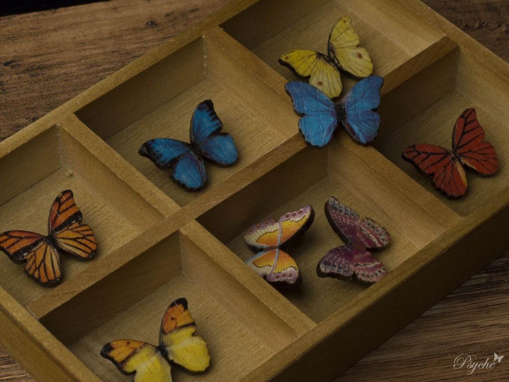 小さな蝶のウッドブローチ シリーズ